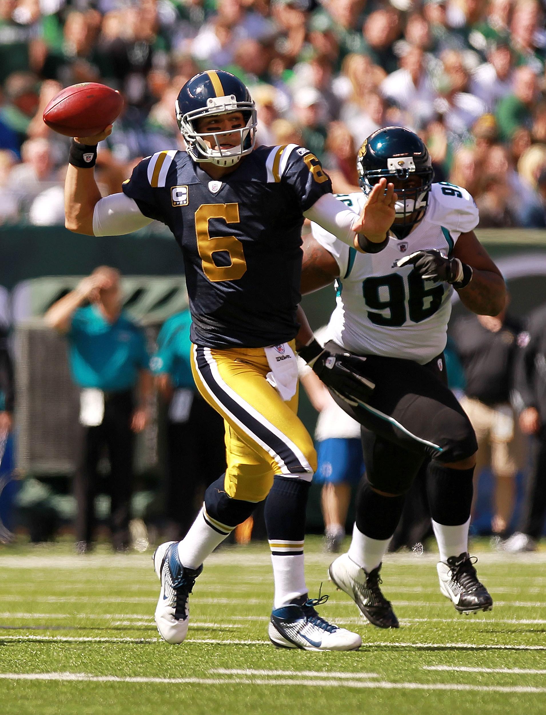 Jets-Titans-Jersey-Nick-Laham.jpg
