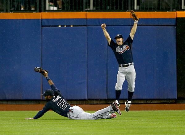 Braves Outfielder Jason Heyward Makes Game Winning Diving