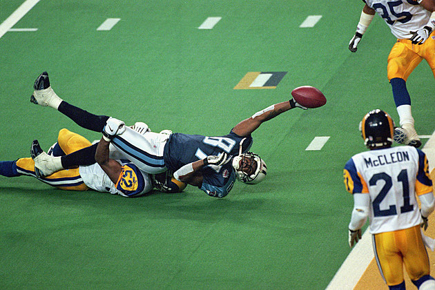Super Bowl XXXIV between the Tennessee Titans and the St. Louis Rams ...